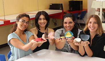 Estudiantes de UPR Carolina se inspiran en la naturaleza para diseñar