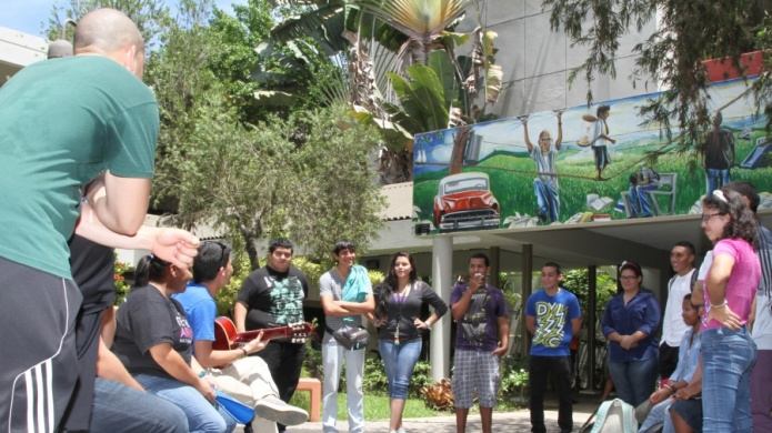 UPR-Carolina acuerda iniciativas Pro Personas Sin Hogar